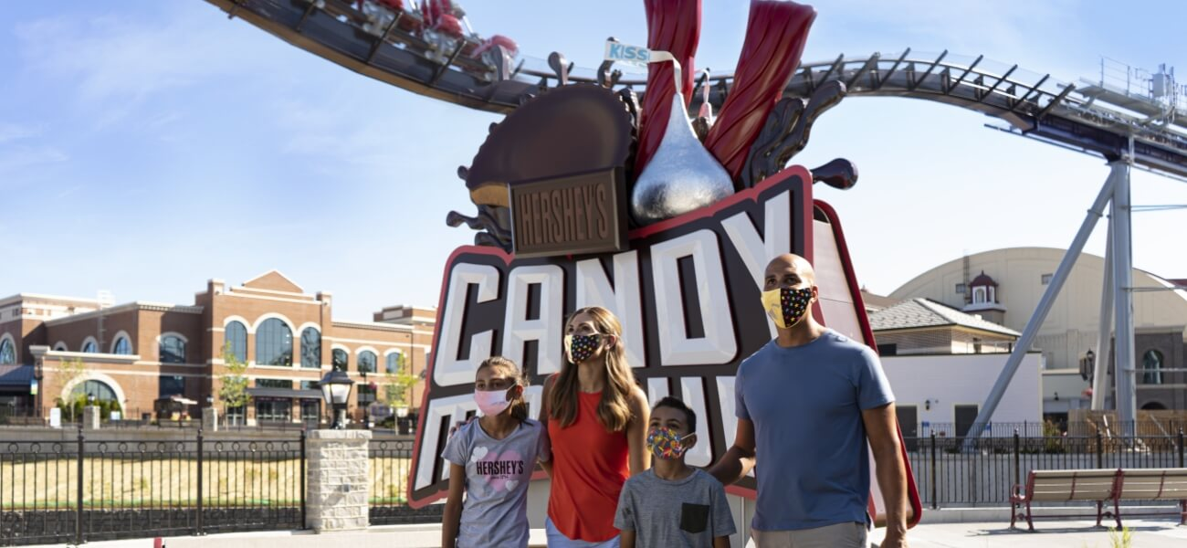 Family spending time together at Hersheypark